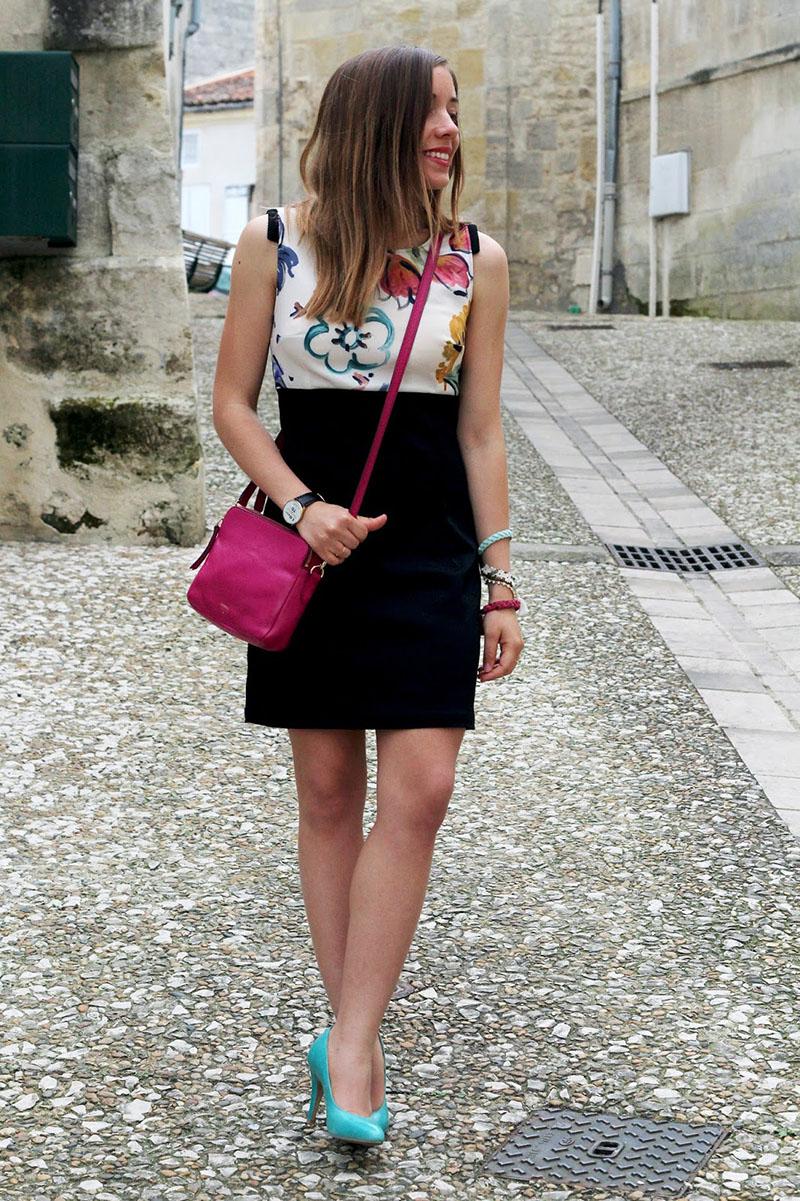 robe-noire-fleurs-chic