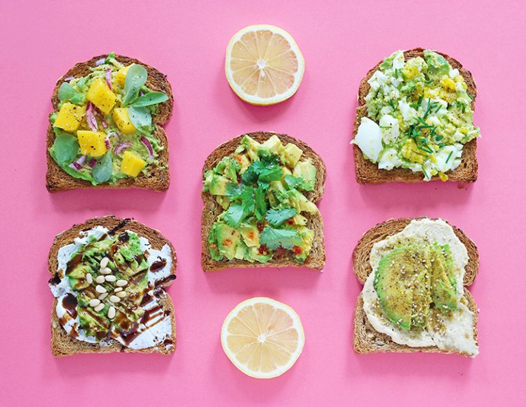 recettes-avocado-toast-toppings-1