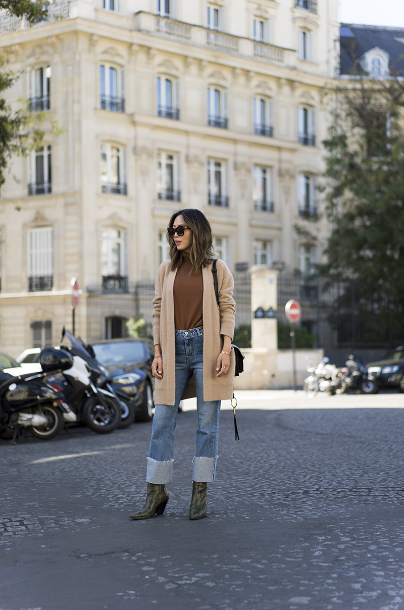 aimee_song_of_style_paris_fashion_week_plac_jeans_vince_sweater_vince_cardigan_celine_sunnies